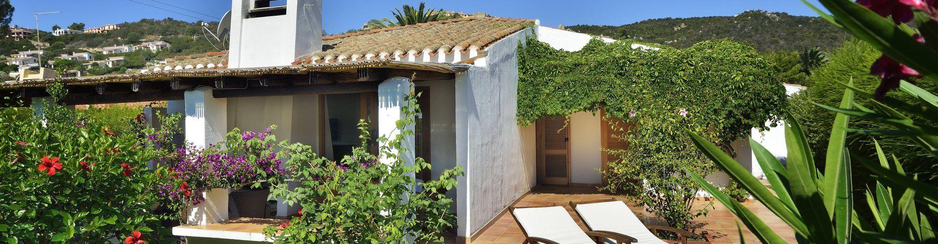 Villa Kika vista sul giardino e sulla casa