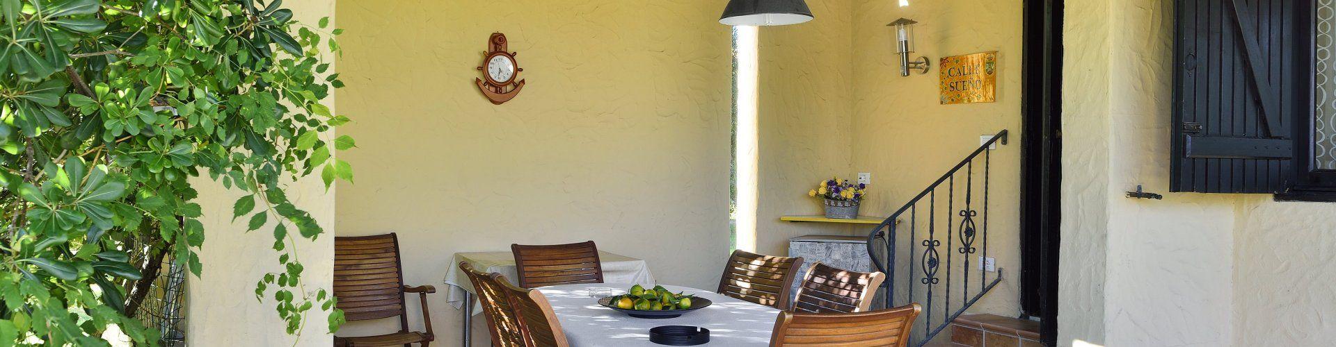Tavolo da pranzo all'aperto