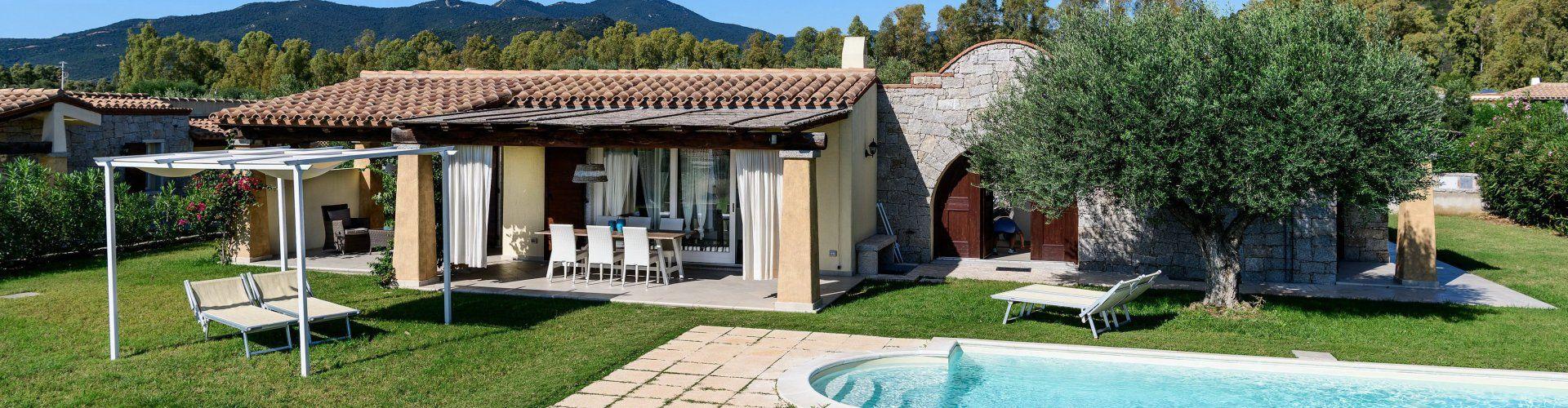 Villa con terrazza e piscina privata
