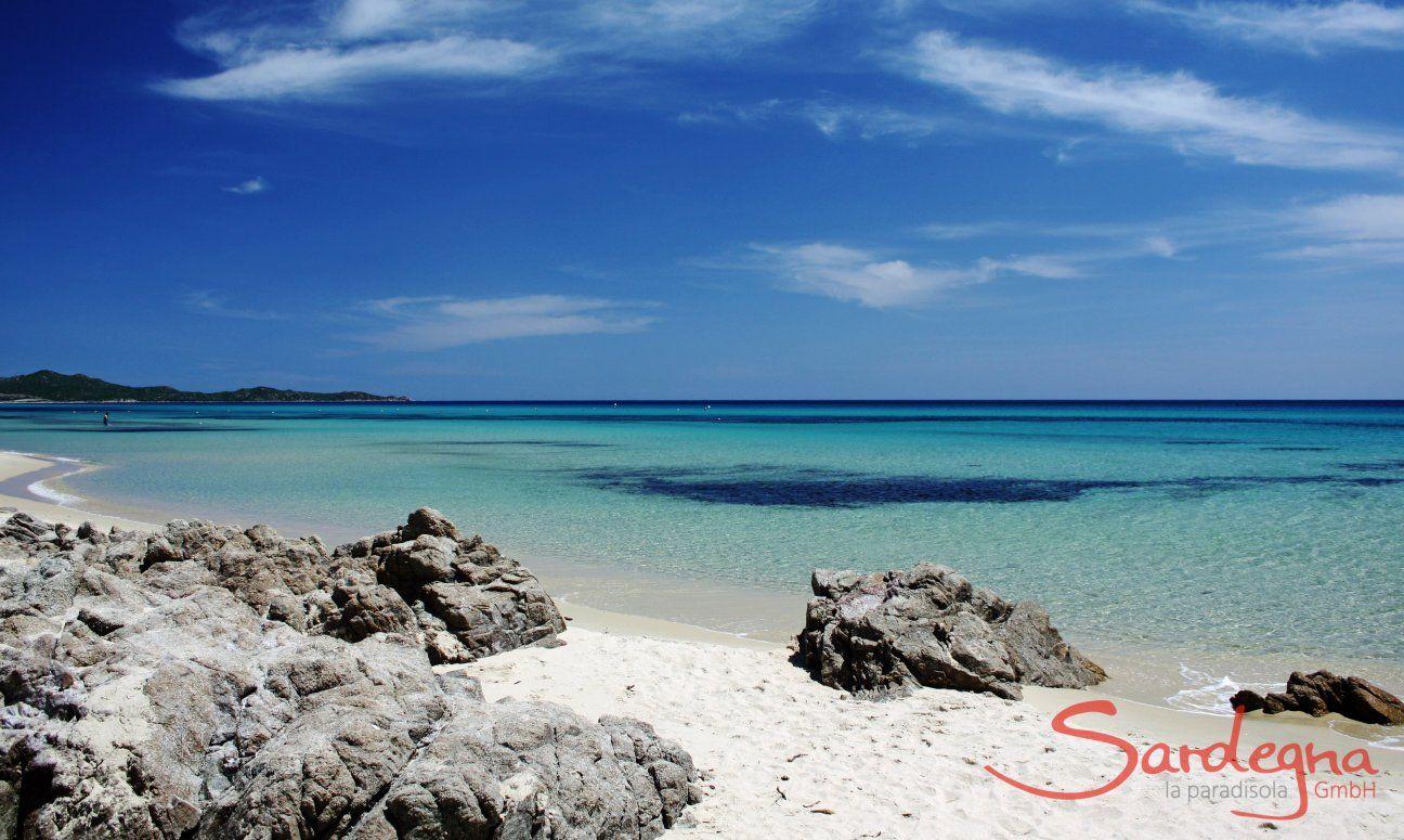 Rocde sulla spiaggia di Costa Rei