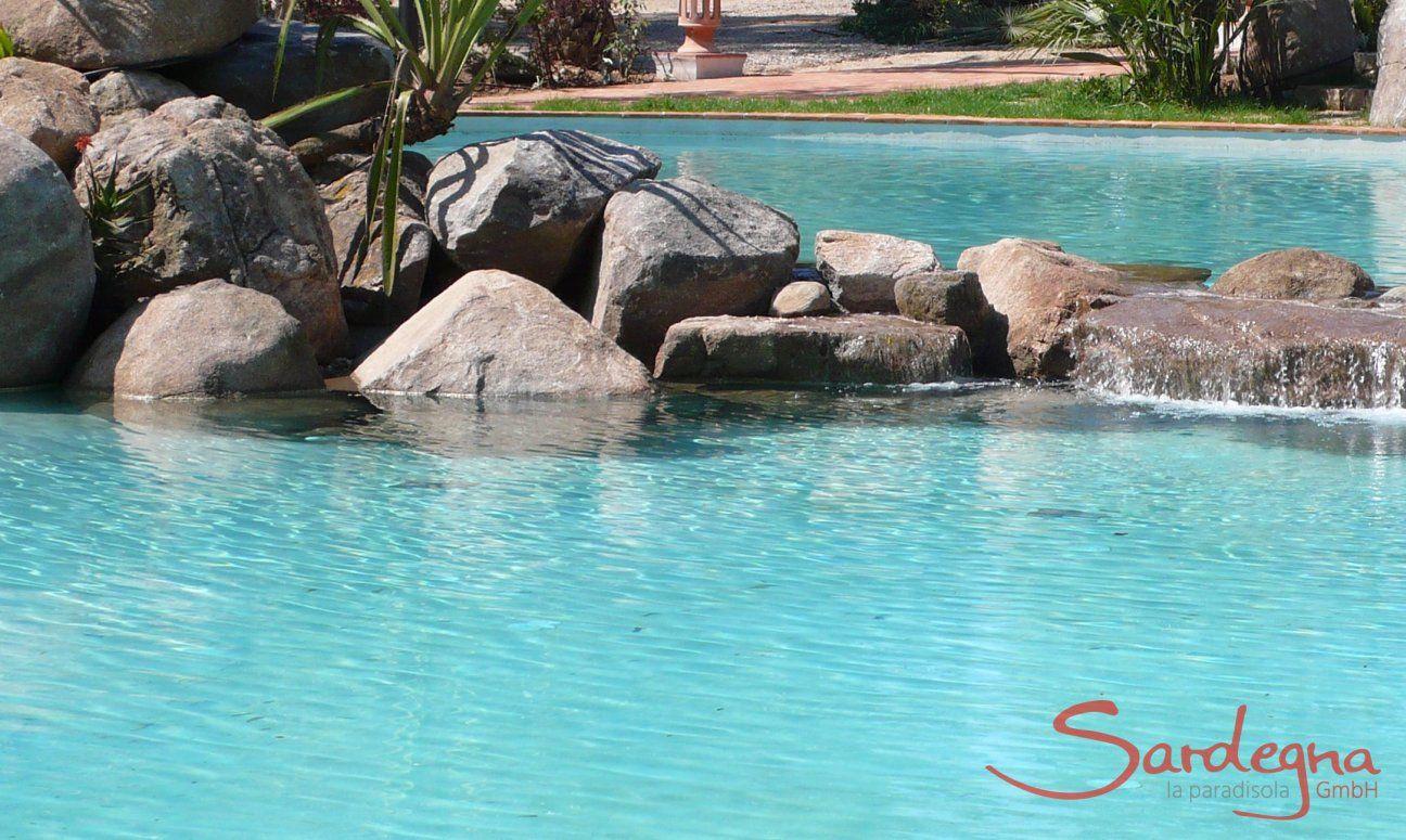 Piscina con rocce in granito Li Conchi, Cala Sinzias
