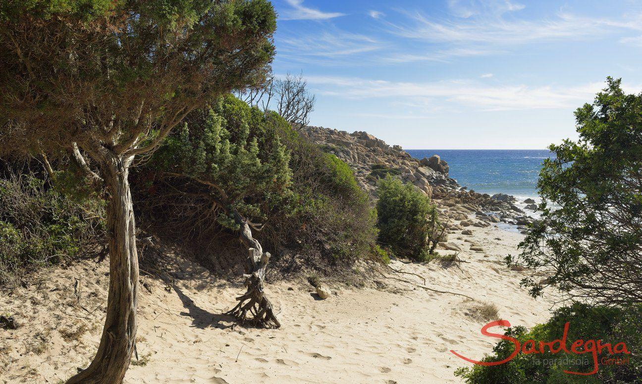 Spiaggia di Chia (10 km)