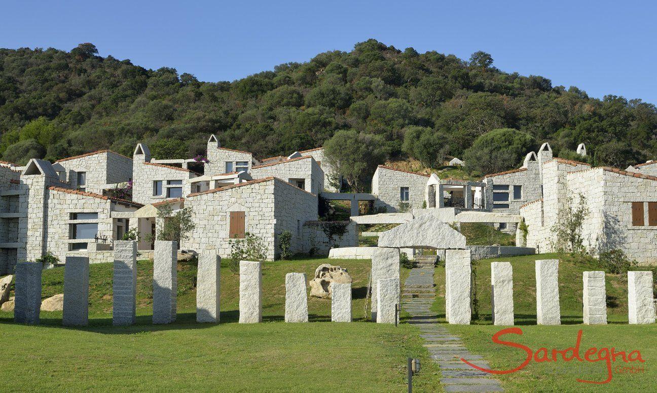 Il Villaggio Li Conchi è formato da case in granito