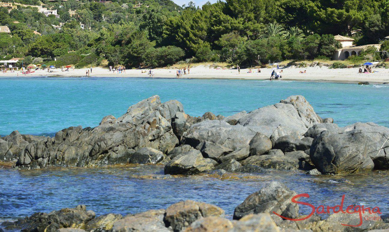 Torre delle Stelle - Rocce e spiaggia di sabbia