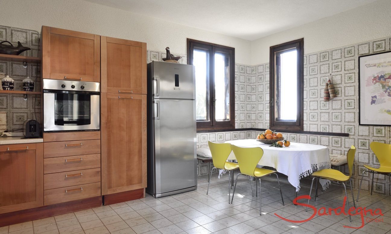 Cucina e tavolo da pranzo