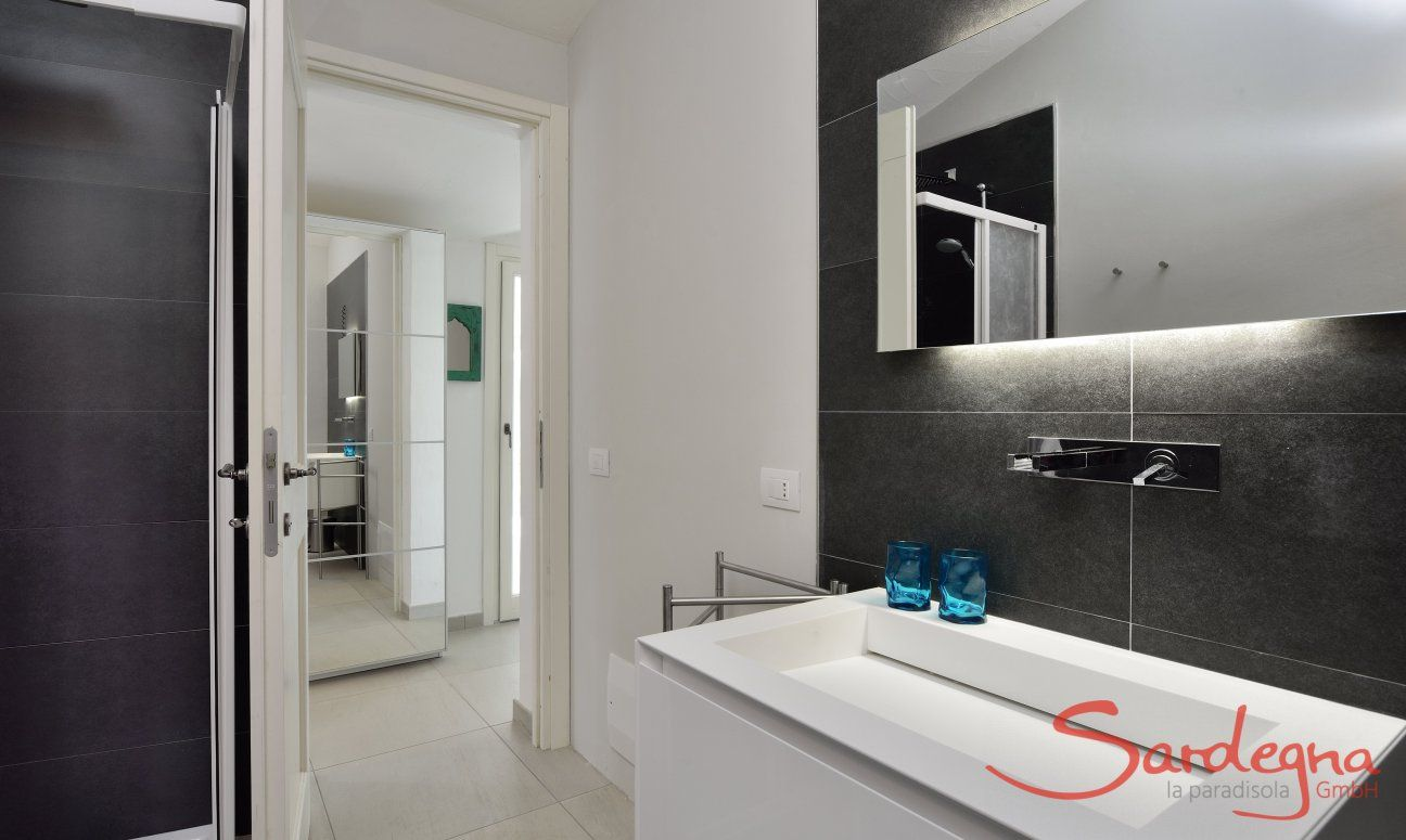 Bagno con doccia  Villa Campidano 21