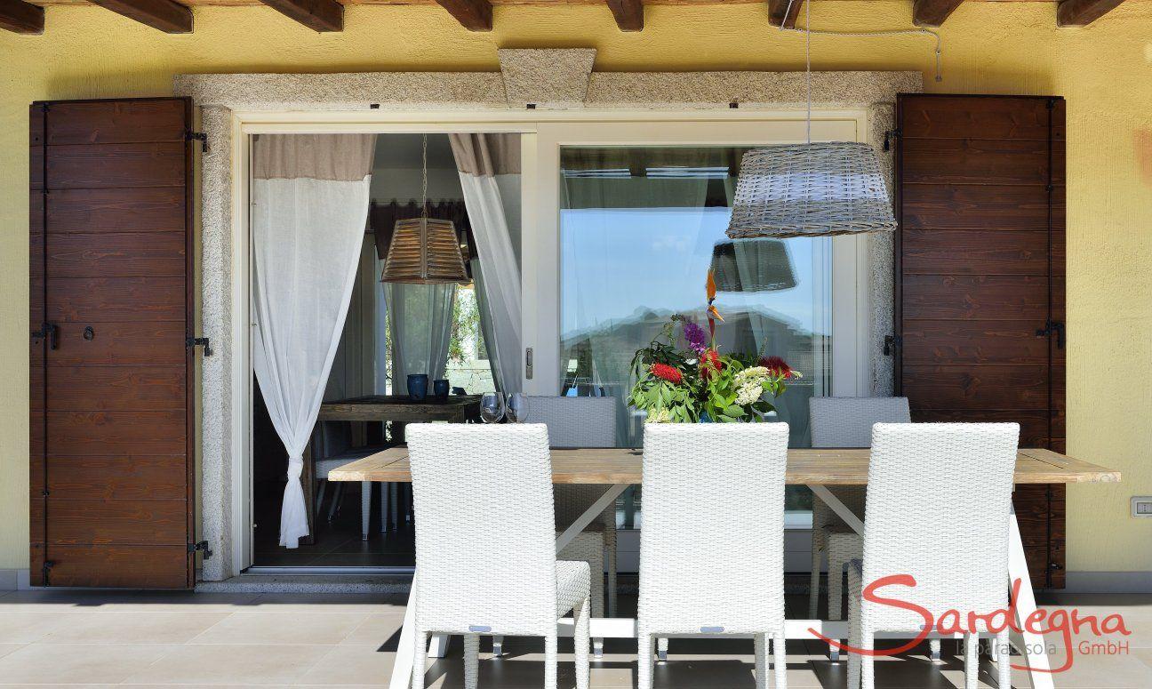 Terrazza con tavolo di  Villa Campidano 20
