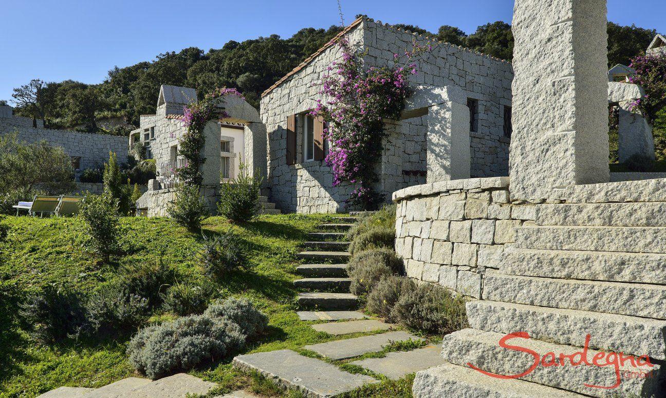 Accesso terrazza dal giardino della casa vacanza  Li Conchi 7