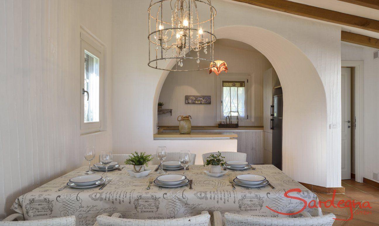 Sala da pranzo con vista cucina  Li Conchi 7