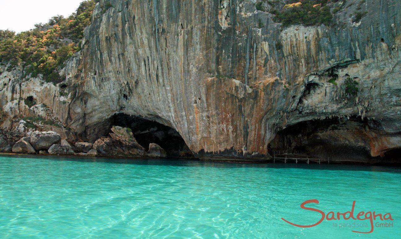 Grotta del bue marino, raggiungibile solo via mare