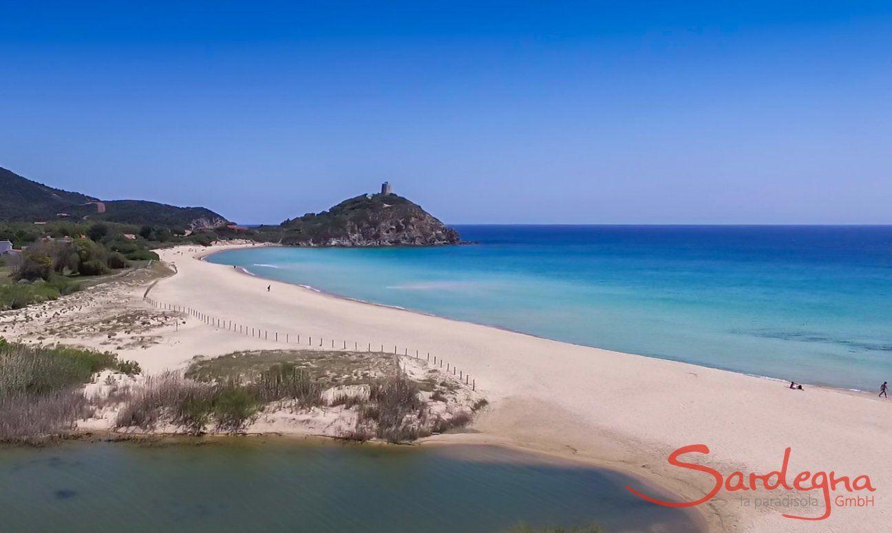 Chia spiaggia e isola Su Giudeu