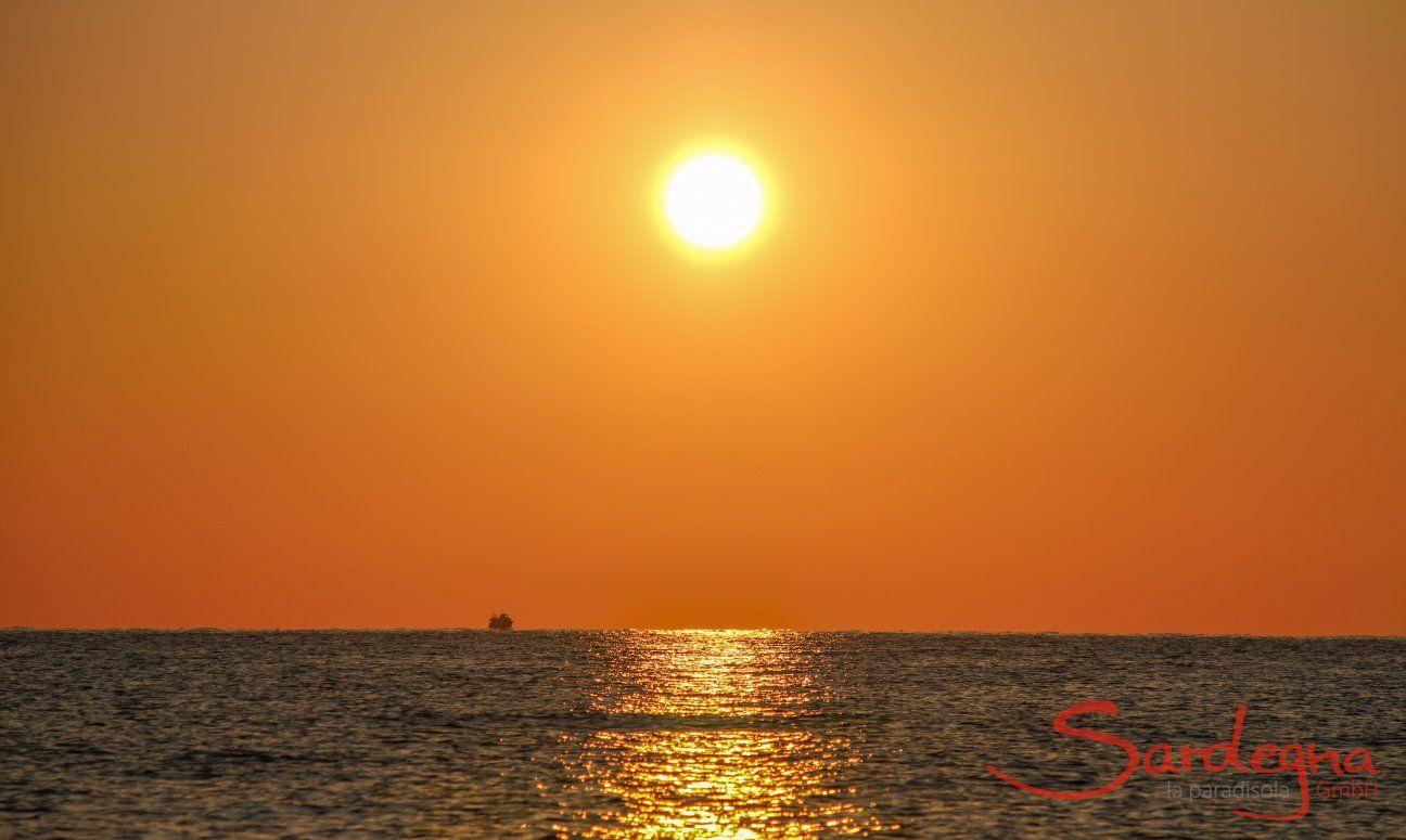 Alzare del sole a Costa Rei