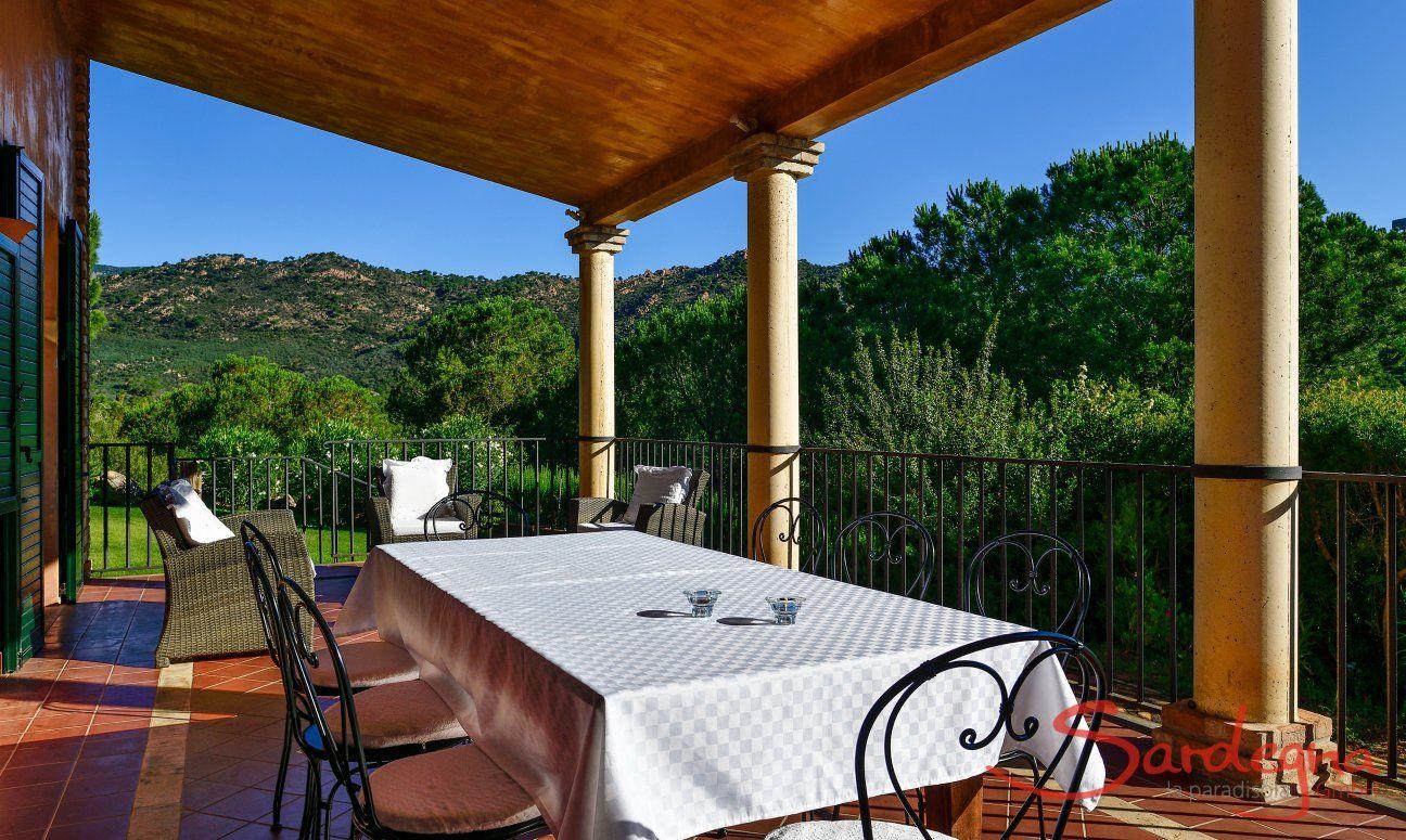 Tavolo da pranzo in veranda