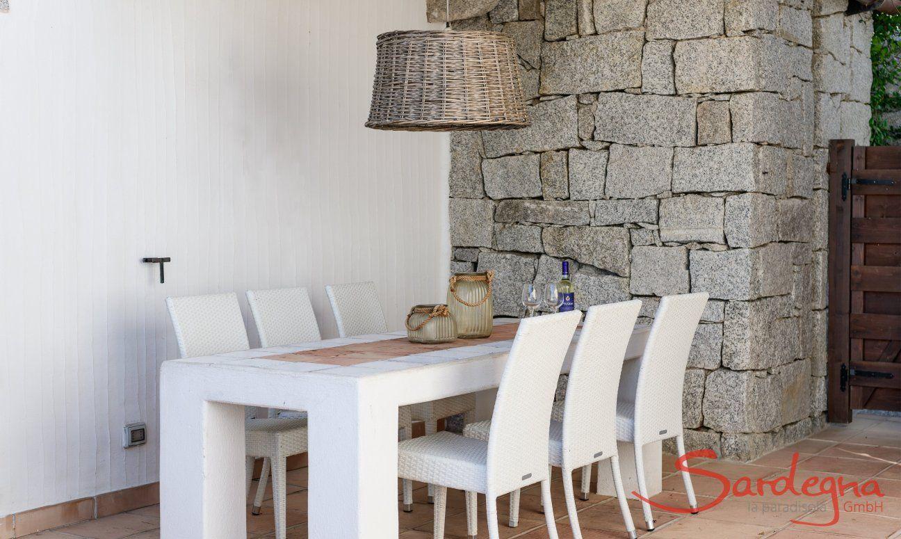 Tavolo da pranzo nel cortile di Li Conchi 29