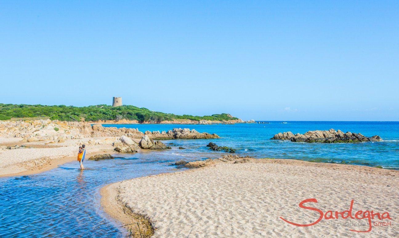Il rio Vignola arriva nella spiaggia di Vignola Mare