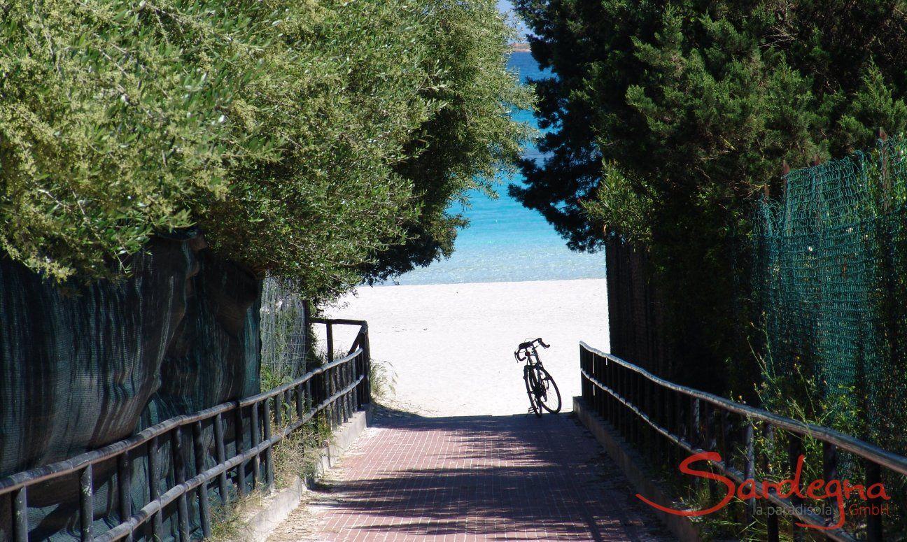 Porto Istana, 12 km sud di Olbia