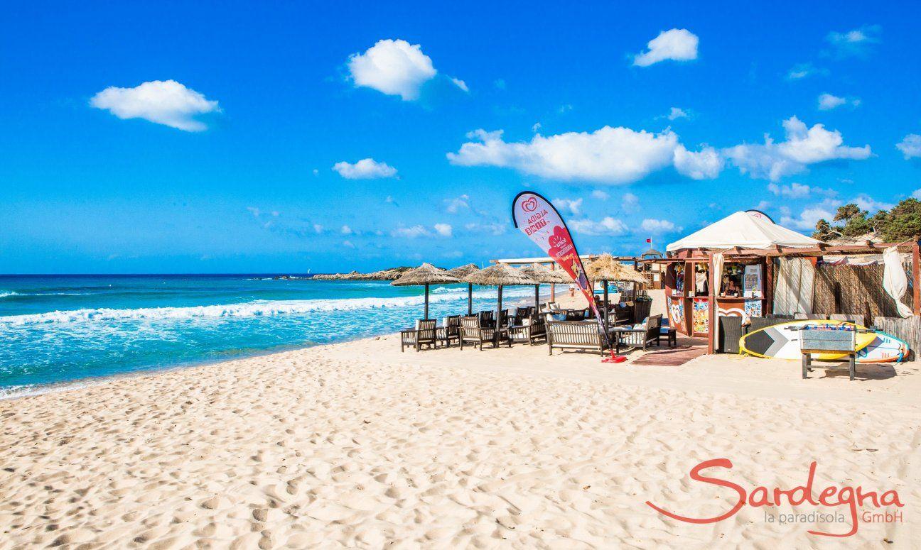 Bar sulla spiaggia Le Dune di Campana a Chia