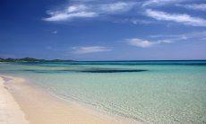 Acqua limpida sulla spiaggia di Costa Rei