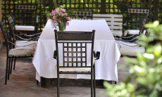 Terrazza e tavolo