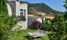 Giardino naturale mediterraneo della casa vacanza Li Conchi 5