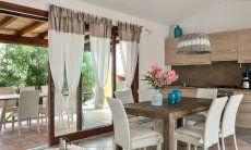 Sala pranzo con cucina