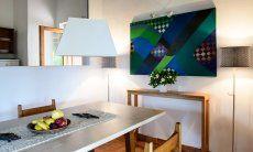 Zona pranzo con apertura alla cucina