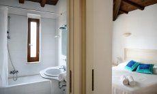 Camera 1 con bagno con vasca