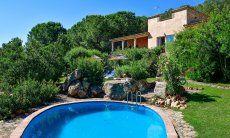 Piscina, giardino e villa