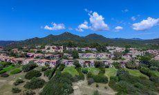 Vista aerea del condominio di Sant'Elmo in Sardegna