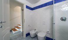 Bagno con bidet, water e doccia, Li Conchi 29