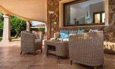 Esterno con giardino e terrazza