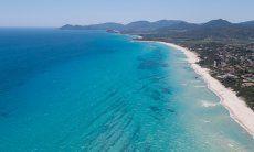Spiaggia di sabbia e un mare cristallino