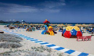 Parco giochi nello stablilimento balneare Tamatete a Cala Sinzias